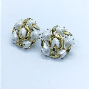 Trifari tulip button clip on earrings